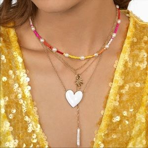 Jewelry - 🆕 White Heart Necklace